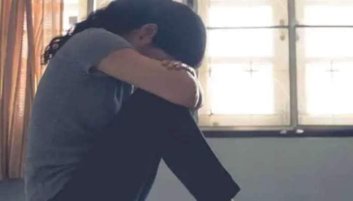 સગીર યુવતી માસીના છોકરાના પ્રેમમાં પડી, માતા-પિતાએ અફવા ફેલાવી કે પ્રેગનેન્ટ છે
