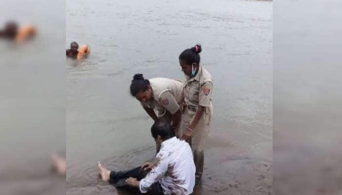 આ છે ગુજરાતની જાંબાજ GRD મહિલા જવાન : નર્મદા નદીમાં ડૂબતા વૃદ્ધને જીવના જોખમે બચાવ્યા