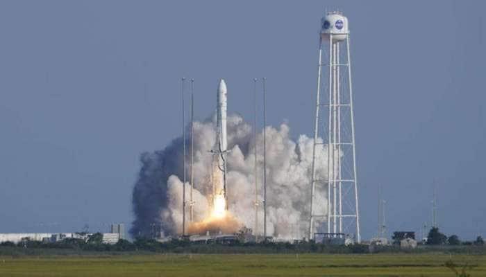 Space માં થશે Pizza પાર્ટી, અંતરિક્ષ યાત્રીઓ માટે મિજબાનીનો સામાન લઈને રવાના થયું Rocket