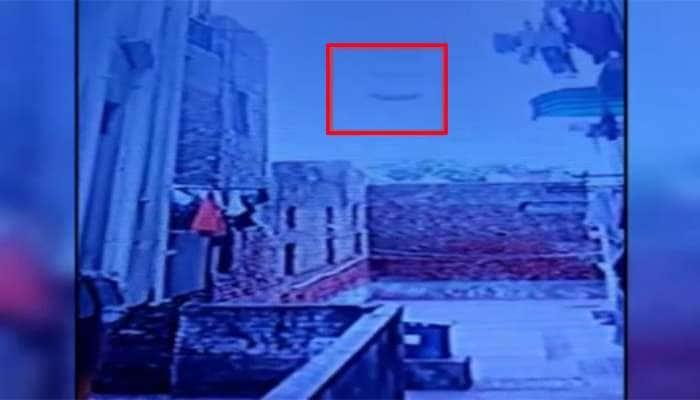 વિચલિત કરી દે તેવો Video : પાંચમા માળેથી હવામાં ફંગોળાઈને બાળકી નીચે પટકાઈ