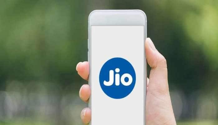 Jio એ ગ્રાહકો કર્યા ખુશ! 11 મહિના સુધી ચાલશે એક રિચાર્જ, જાણો Benefits