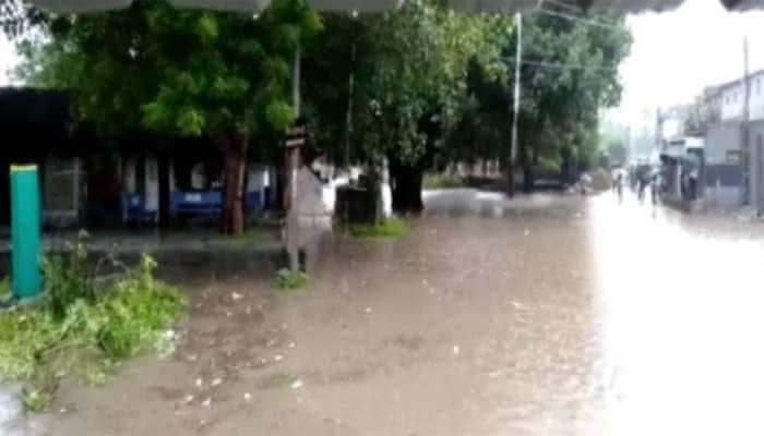 સૌરાષ્ટ્રમાં વણસેલી સ્થિતિ વચ્ચે VALSAD માં પણ વરસાદી માહોલ, દક્ષિણ ગુજરાતમા ભારે વરસાદની આગાહી