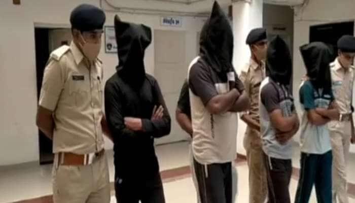 ગુજરાતમાં રાજકારણ બન્યું લોહિયાળ, દિગ્ગજ નેતા અને તેના પુત્રની જાહેરમાં હત્યા, 4ની ધરપકડ
