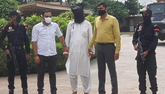 Kalupur Blast Case: 15 વર્ષથી ફરાર આરોપી ઝડપાયો, કુંડળી વાંચી ટાંટીયા ધ્રૂજવા લાગશે