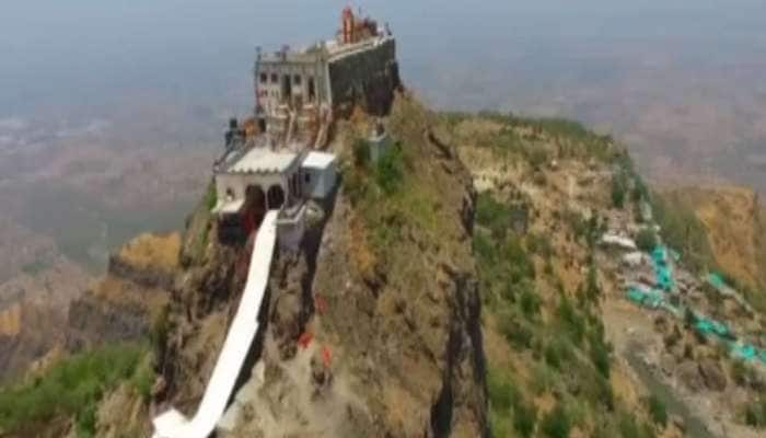 પાવાગઢ મંદિર : અમાસના દિવસે નિજ મંદિરમાંથી જ્યોત પ્રગટાવીને વતન લઈ જાય છે શ્રદ્ધાળુઓ