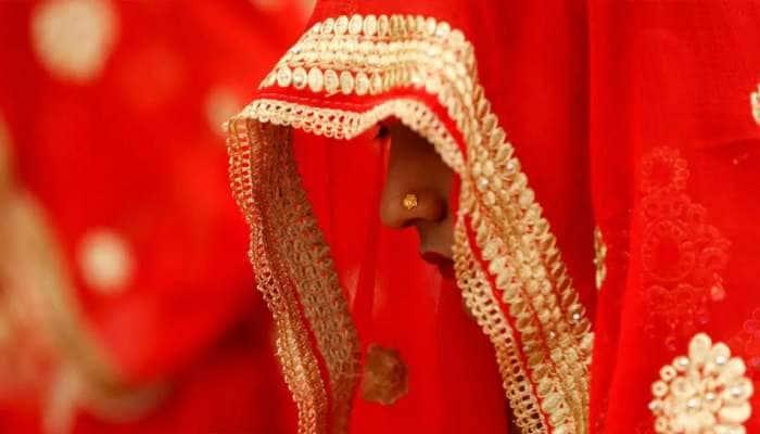 નાના ભાઇને બતાવી મોટા ભાઇ સાથે કરાવી દીધા લગ્ન, સાસુએ ચારેય પુત્રો સાથે સંબંધ બાંધવા કરી મજબૂર