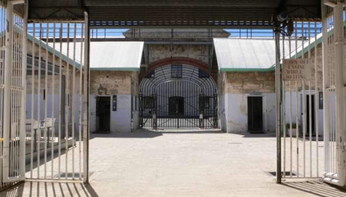 India's VIP Prisoners: ભારતની જેલમાં આ કેદીઓને પડ્યાં જલસા! મોટા-મોટા નામો છે આ યાદીમાં સામેલ