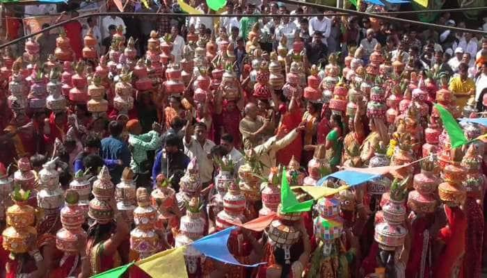 ગુજરાતના ખોબા જેવા 'ઘાવા' ગામનો આજે 127મો જન્મદિવસ, દુલ્હનની જેમ શણગારાયું આખું ગામ